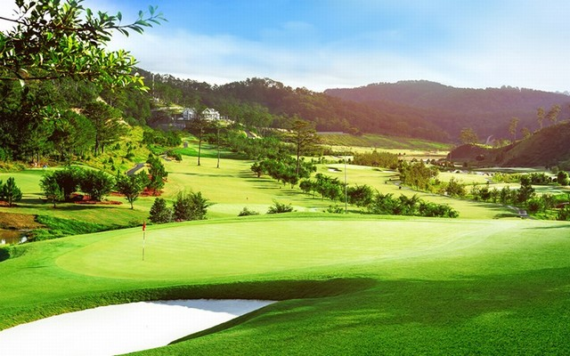 Sân golf SAM Tuyền Lâm đạt tiêu chuẩn quốc tế sân golf 18 lỗ
