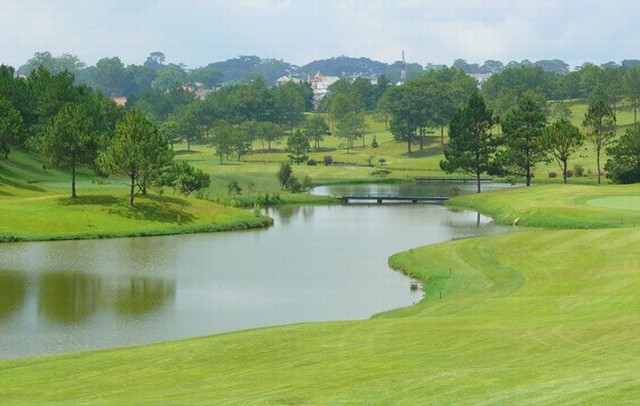 Dalat Palace Golf Club – 18 holes international standard