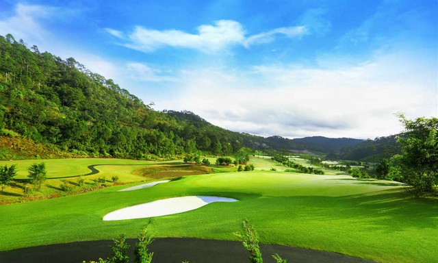 Sacom Tuyen Lam Golf Course