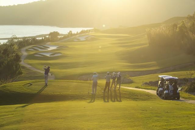 Golfers at Dalat 1200 golf course